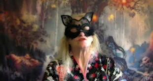 Aquarius Kat Cosplay Weekly Love Tarot Reading February 3rd to the 9th, 2020 PsychicsForetell.com
