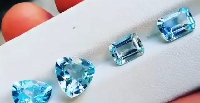 11.50 carats. Beautiful top quality vvs blue color cuted topaz 2 pairs available...